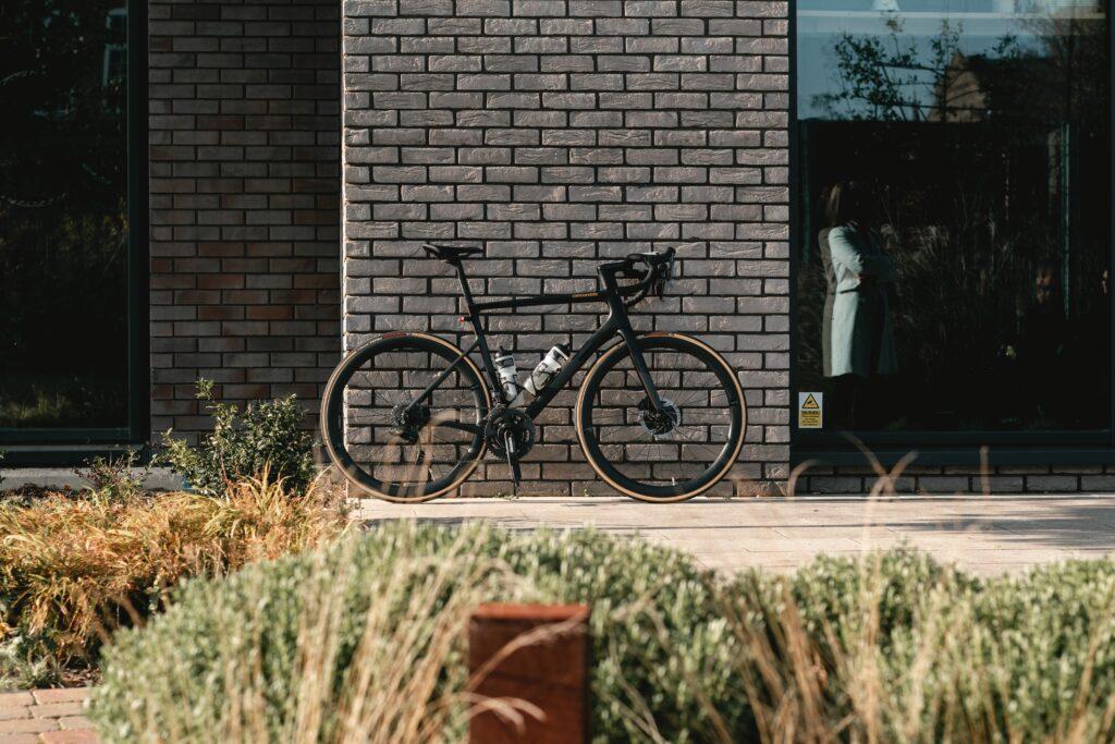 クロモリは自転車のフレームによく使われる。