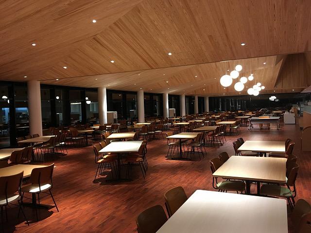 中村留の夜の食堂